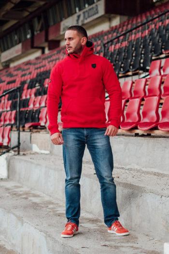 De rode full face hoodie frontline van PGwear bestel je natuurlijk bij PGwear Nederland, de officiële webshop voor Nederland en België