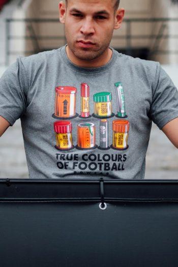 Het grijze true colors of football t-shirt van PGwear bestel je natuurlijk bij PGwear Nederland, de officiële webshop voor Nederland en België